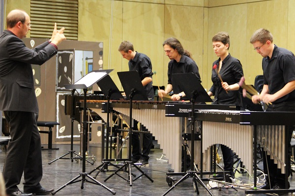 Percussion-Ensemble des Martin-Luther-Gymnasiums Rimbach/Odw. (Ltg. M. Junker)